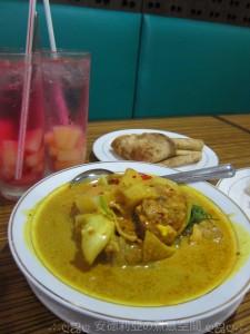0513 菠蘿賓治、雞咖哩、印度薄餅 (咖喱館)