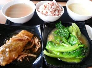 0914 紅燒鯇魚、金銀蛋生菜、冬瓜去濕湯、薏米腐竹蛋花糖水