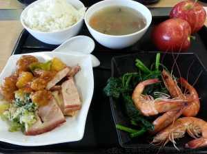 1214 白切雞燒肉、白灼生蝦、糖醋排骨、清炒時菜、蓮藕蠔豉湯